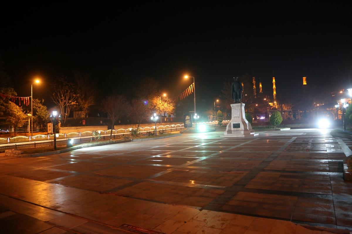 Trakya'da sokağa çıkma kısıtlaması nedeniyle cadde ve sokaklara sessizlik hakim oldu