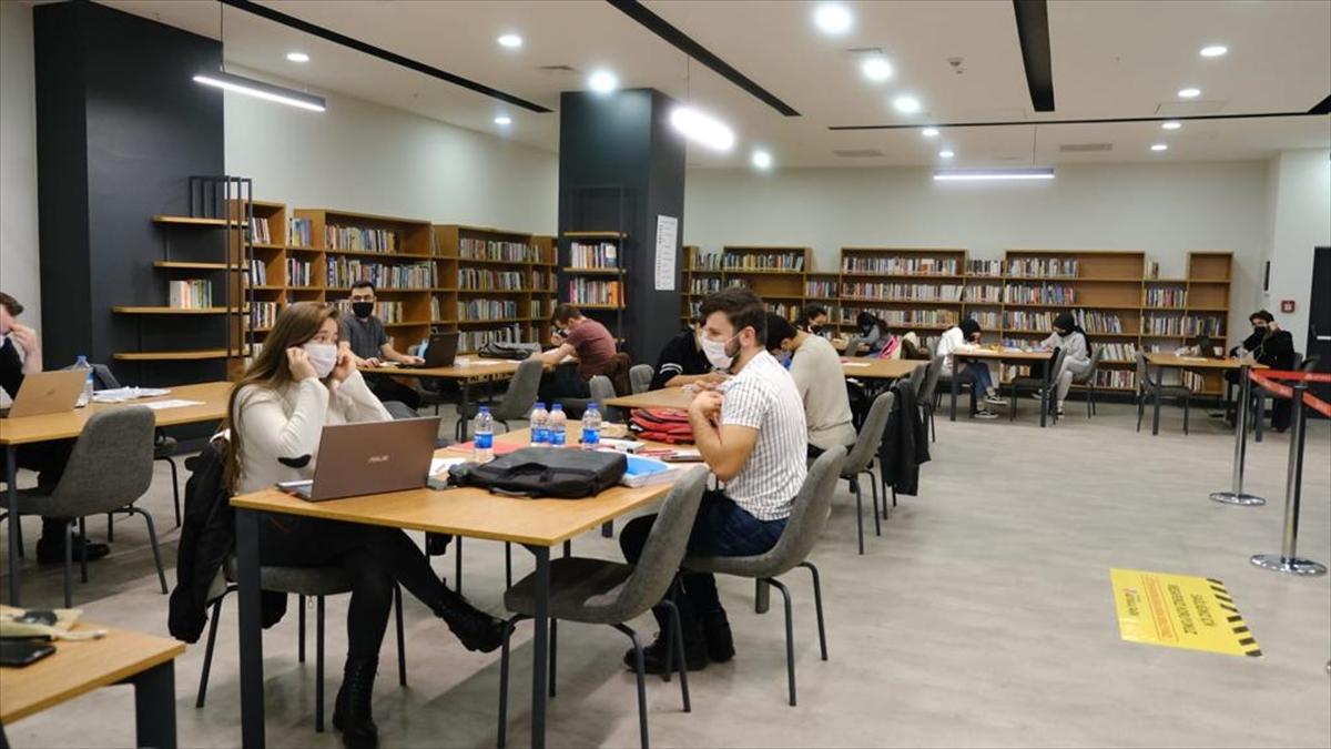 Türkiye'nin 4. alışveriş merkez kütüphanesi yarın Akyaka Park AVM'de açılacak