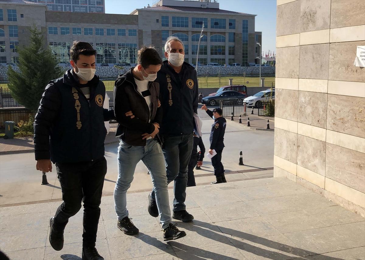 Uşak'ta evlerden çaldığı ayakkabıları komşu illerde satan zanlı tutuklandı