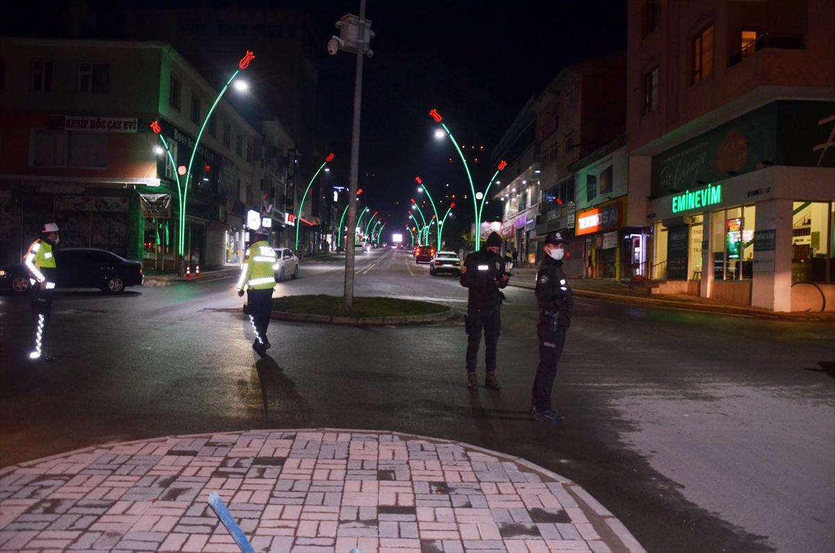 Van, Muş, Bitlis ve Hakkari'de sokağa çıkma kısıtlamasına uyuluyor
