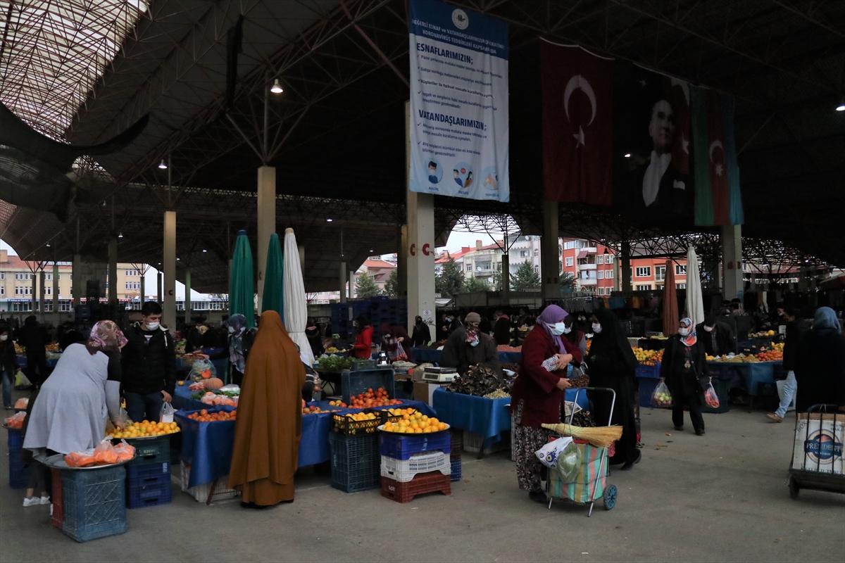 Burdur'da karantinada olması gereken 10 kişi semt pazarında yakalandı