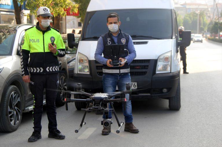 Hatay'da yaya geçitlerinde kural ihlali yapan sürücülere idari para cezası verildi