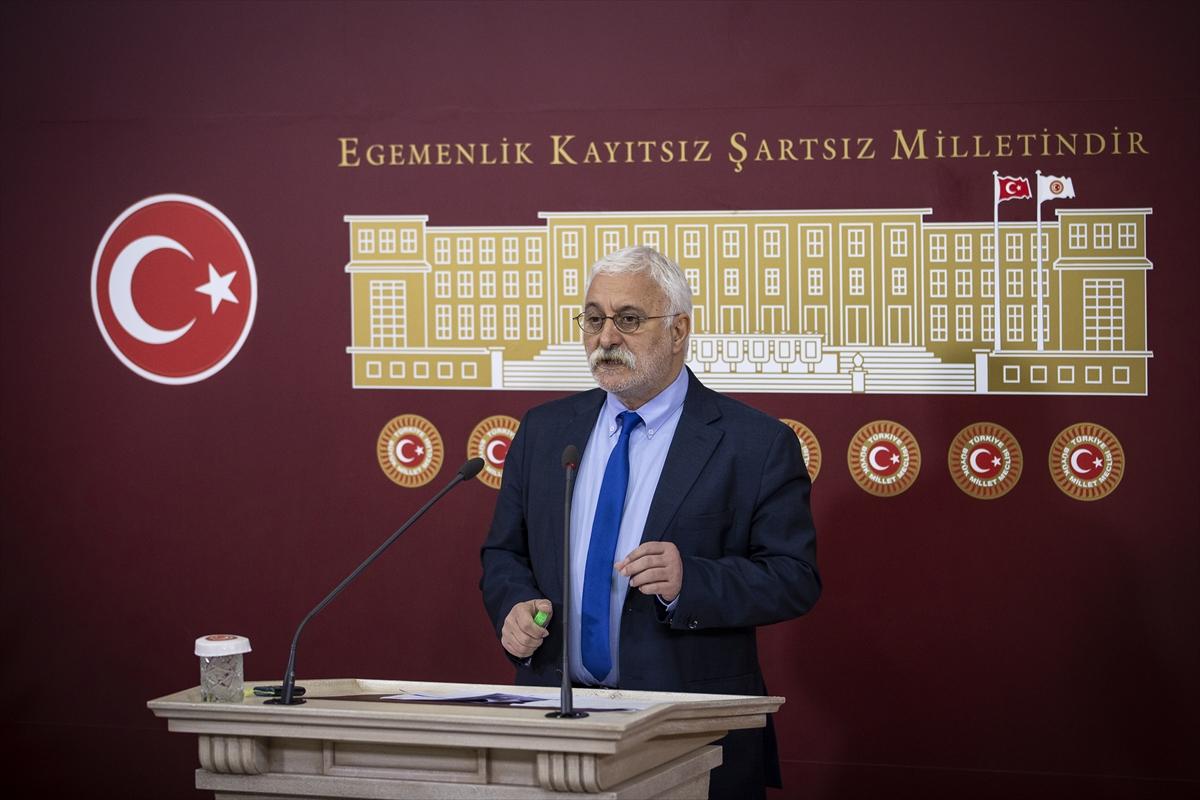"""HDP Grup Başkanvekili Hakkı Saruhan Oluç: """"Çin aşısı ihtiyaca cevap vermeyecek"""""""