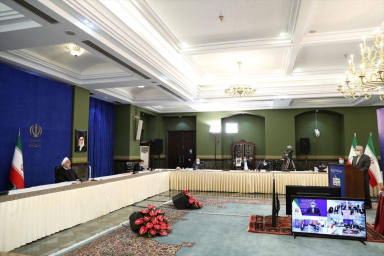 """İran Cumhurbaşkanı Ruhani'den """"nükleer faaliyetlerin hızlandırılmasını"""" zorunlu kılan yasanın onaylanmasına tepki:"""