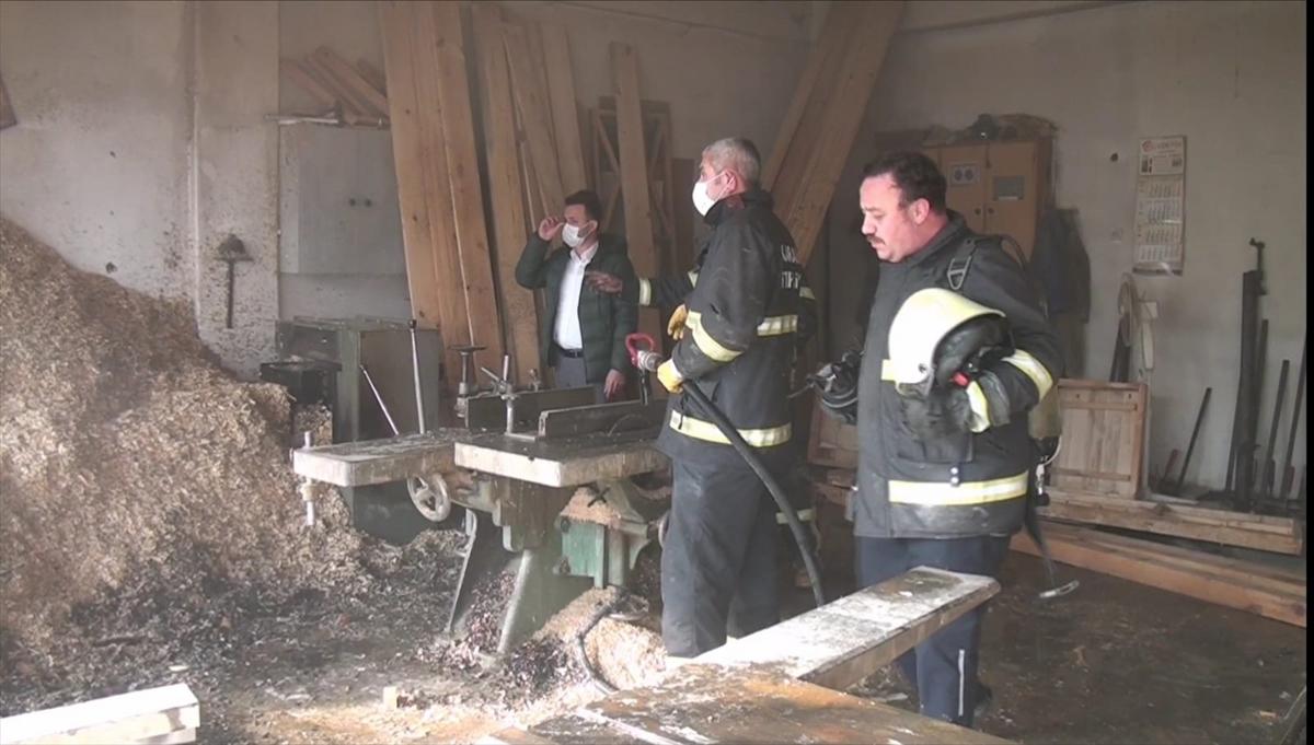 Karabük'te mobilya atölyesinde çıkan yangın söndürüldü