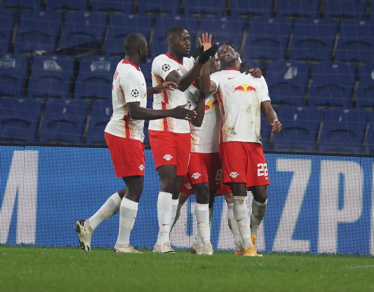 Medipol Başakşehir'e İrfan Can Kahveci'nin üç golü yetmedi