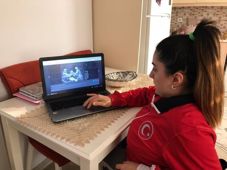 """Milli atıcı Çağla Baş, AA'nın """"Yılın Fotoğrafları"""" oylamasına katıldı"""